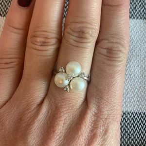 Silver pearl and crystal ring